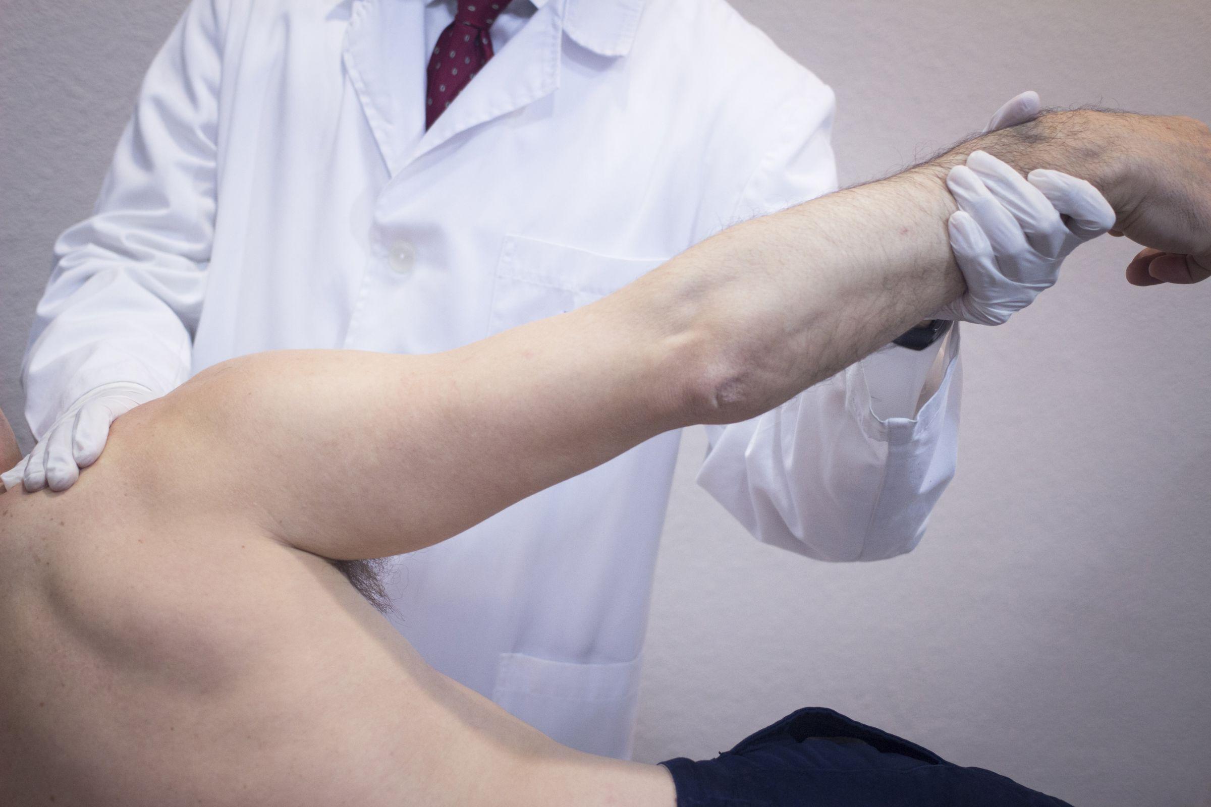 Άμεση ανάταξη Εξαρθρήματος Ώμου με ειδικούς χειρισμούς από τον ορθοπεδικό ιατρό